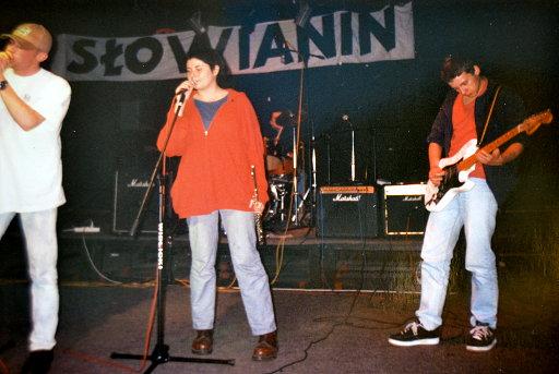 Bez Krótkich Spodni - cały zespół - koncert w DK Słowianin